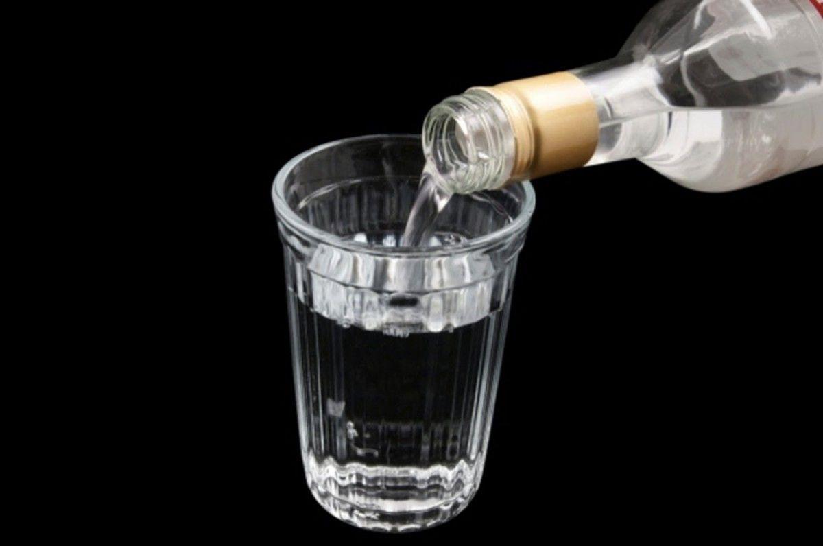 6 людей погибли ототравления спиртом