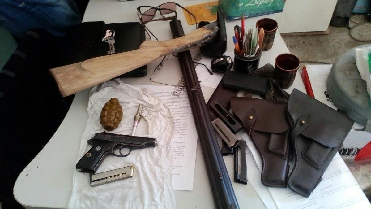Тернополяни здійснювали незаконну торгівлю зброєю та боєприпасами / УСБУ в Тернопільській області