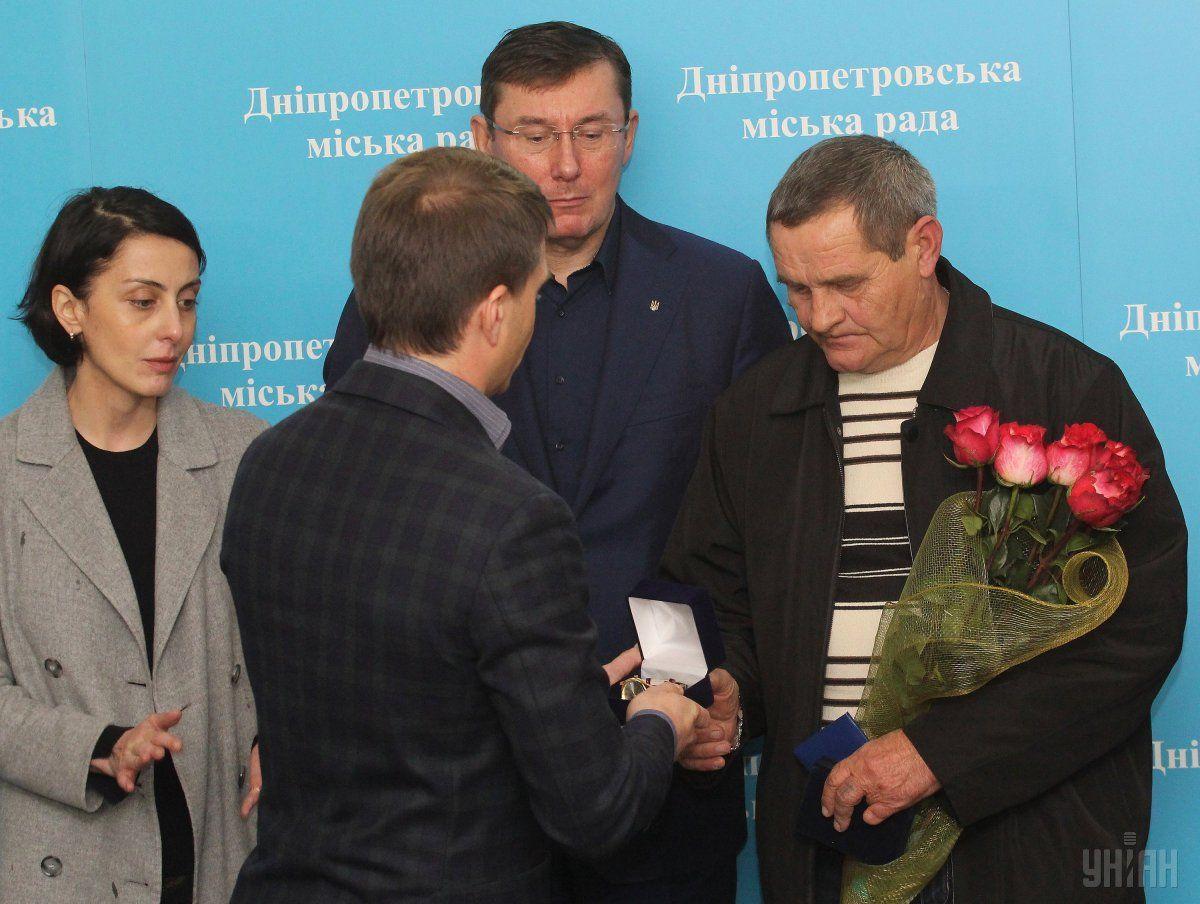 Валерий Тимонин рассказал о судьбе пистолета, которым его наградили / УНИАН