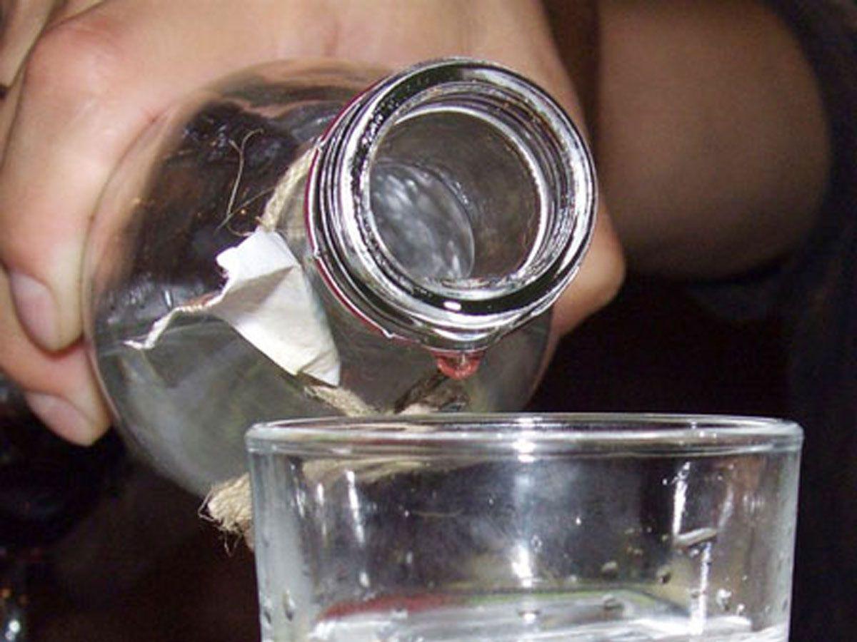 На Донеччині п'ятеро людей загинули від отруєння сурогатним алкоголем / altaynews.kz
