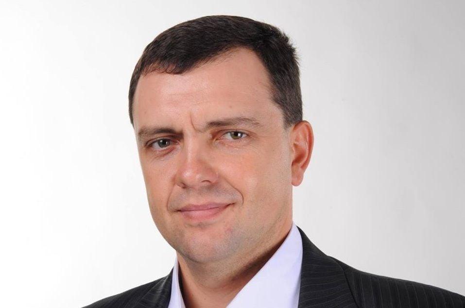 «Хамовитого» депутата Днепровского горсовета после удара отверткой спасло портмоне
