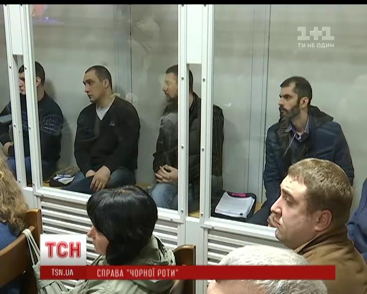 Подозреваемые в расстрелах на Евромайдане экс-беркутовцы проведут за решеткой еще два месяца /