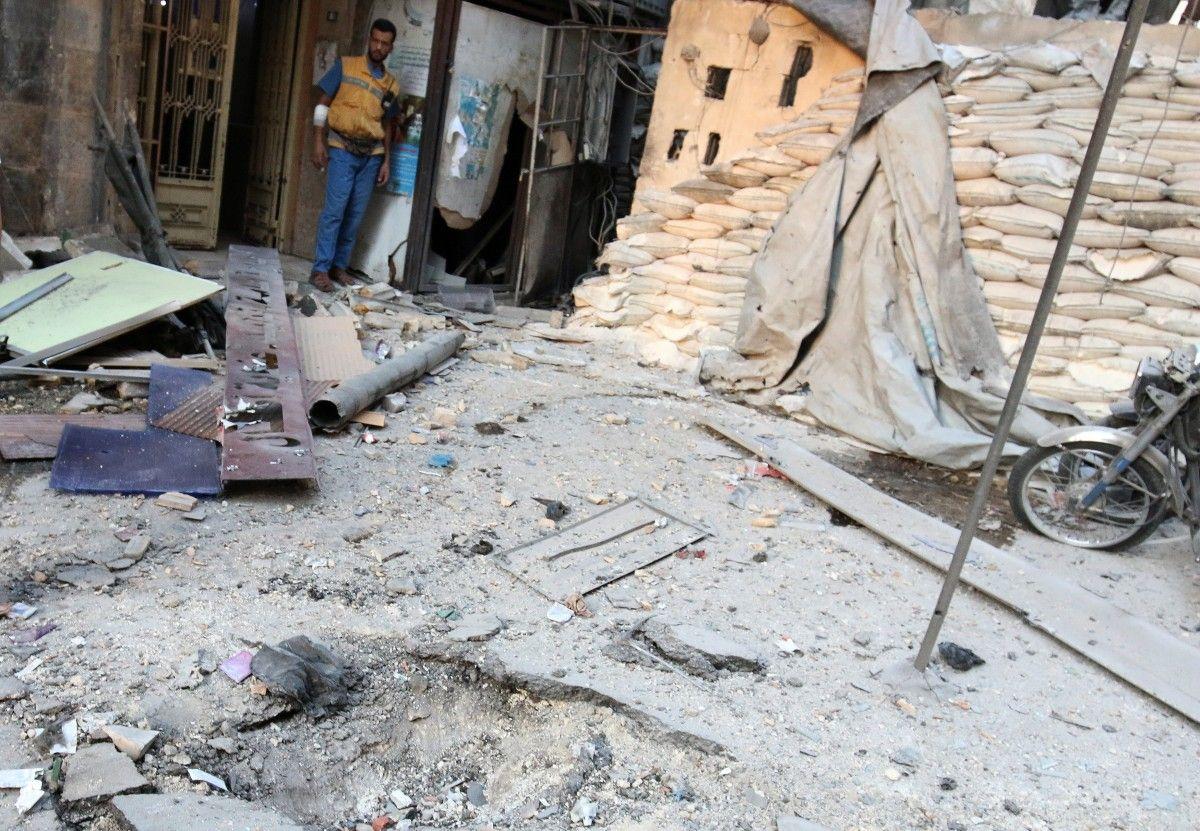 Бомбардировки Алеппо с Сирии / REUTERS