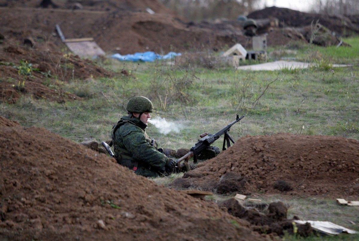 Боевик в зоне АТО / REUTERS