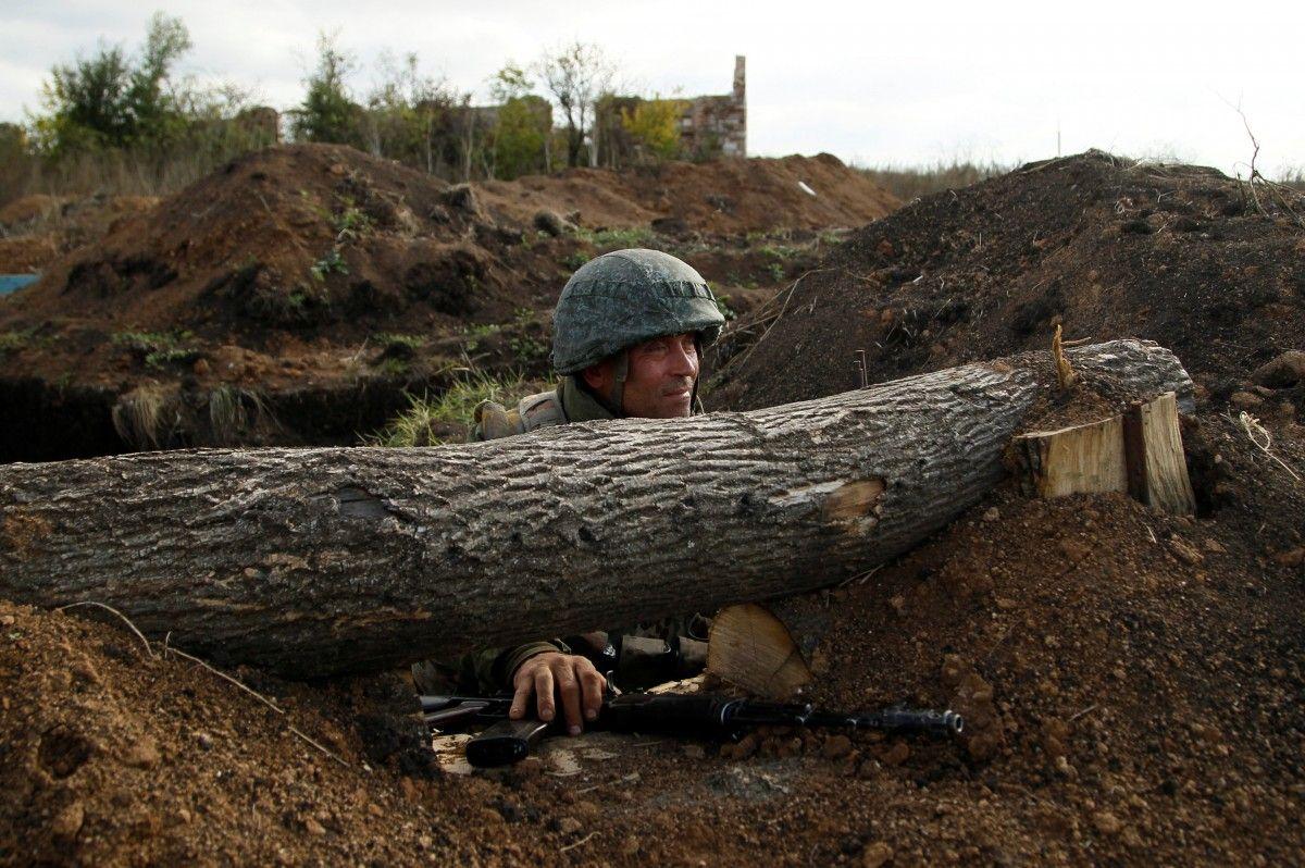 Боевик на Донбассе / REUTERS