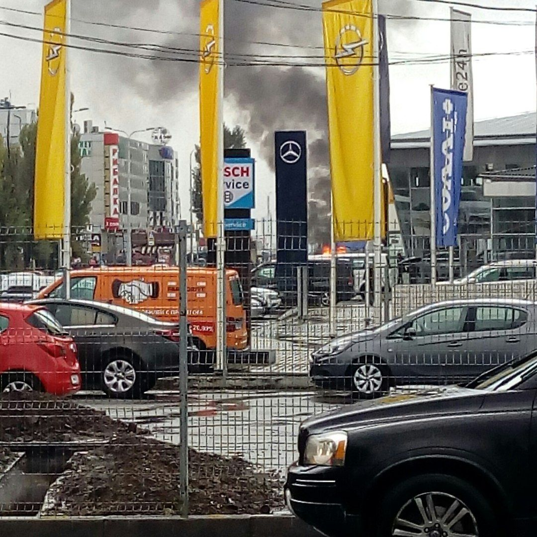 ВХарькове находу загорелось авто
