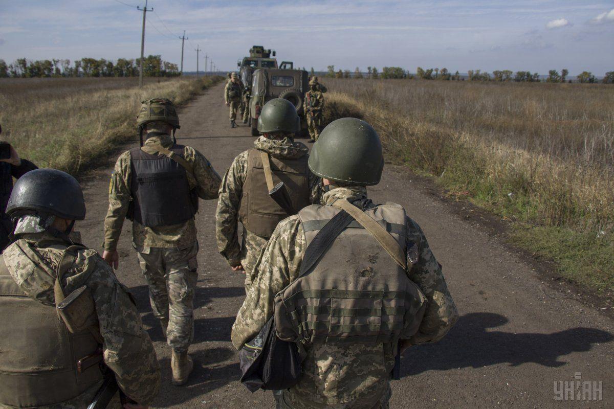 Двоє військових отримали поранення під час виконання завдання на передовій / фото УНІАН