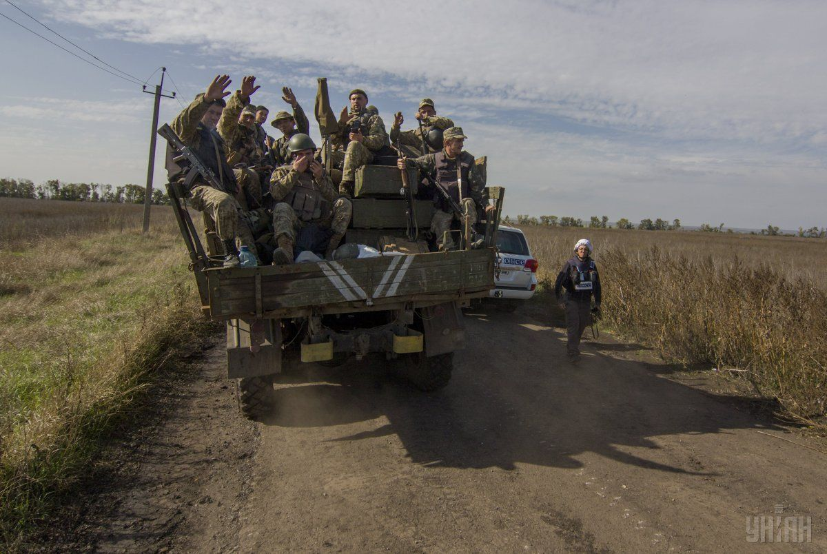 Дипломати продовжують шукати нові ділянки розведення сил / Фото УНІАН