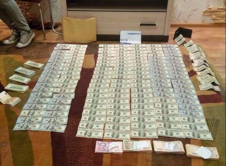 У затриманого судді-хабарника в Дніпрі правоохоронці провели обшук / facebook.com/nabu.gov.ua
