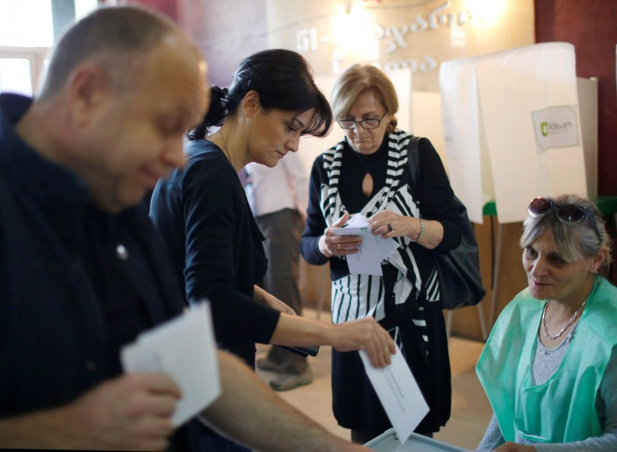 Голосування на виборах в Грузії / REUTERS