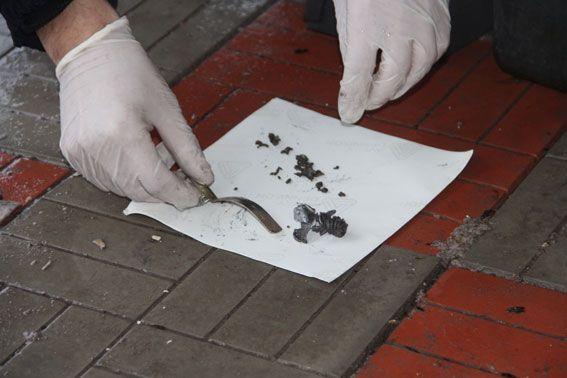 Осколки гранати, імовірно РГД-5, направлені на експертизу / Фото cn.npu.gov.ua
