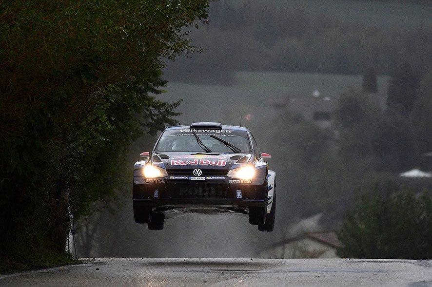Автомобиль сбил насмерть человека нагонках вСан-Марино