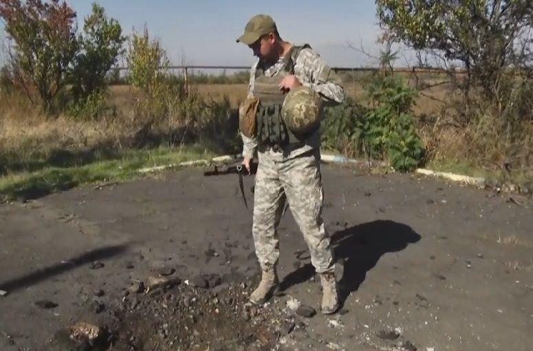 По словам военных, боевики пытаются любым способом выбить бойцов с позиций / Скриншот видео