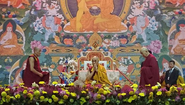 Далай-лама призвал Россию кмиру сУкраиной