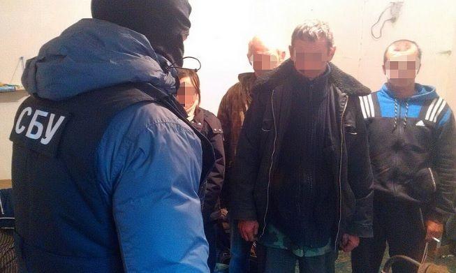 В Винницкой области правоохранители разоблачили фермерское хозяйство, где незаконно удерживали 103 бездомных / sbu.gov.ua