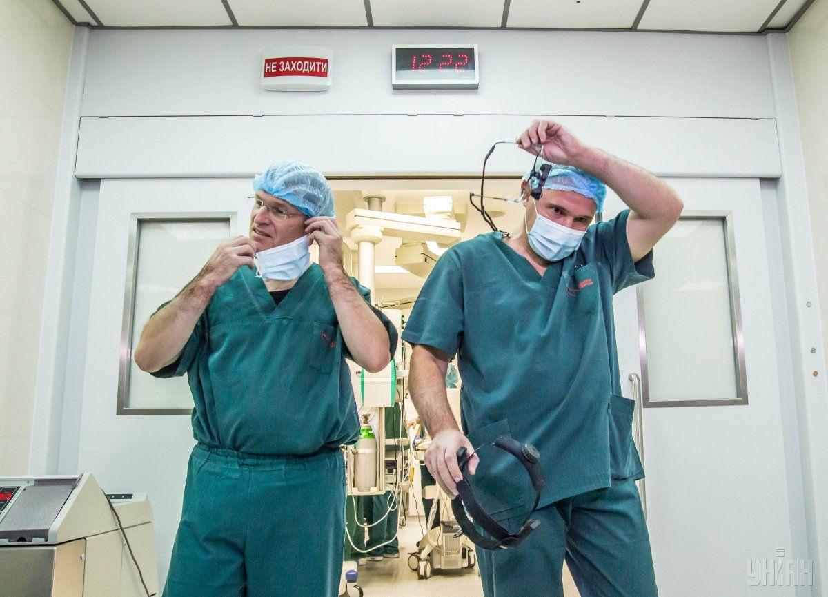 """""""Тут правил немає – йде війна"""": головлікар госпіталю Дніпра розповів про порятунок бійця АТО"""