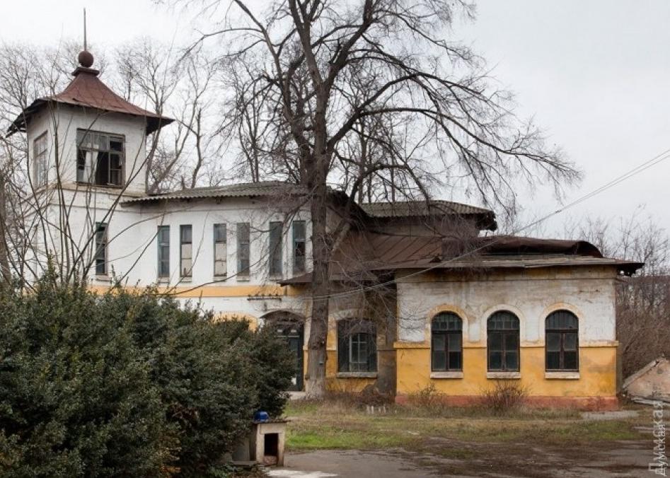 Застройщик уничтожил старинный особняк на Люстдорфской / Думская