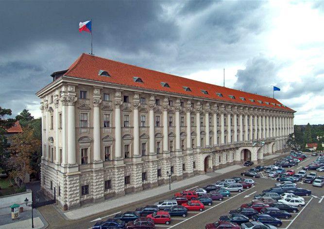 Сенат Чехії закликав Росію припинити підтримку бойовиків на Донбасі