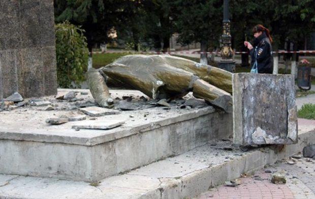 У Судаку повалили пам'ятник / Фото sudak.rk.gov.ru