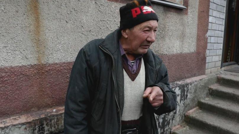 Чоловік заявив, що не виїхав з села, бо українець / Скріншот відео