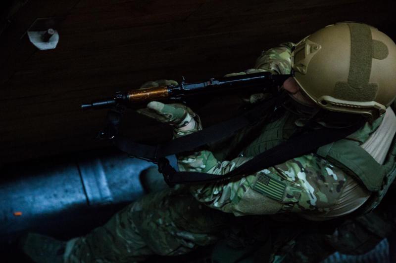 Инструкторы ФБР провели тренировку спецназа НАБУ