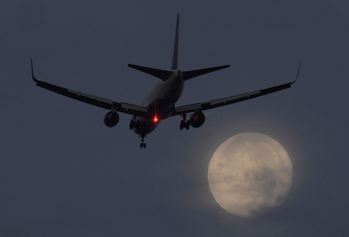 Пассажиры лондонского аэропорта Сити эвакуированы из-за утечки химвеществ