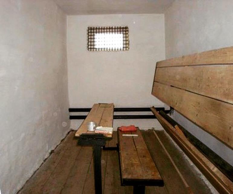 Камера штрафного изолятора российской колонии - в такую посадили Сенцова / Фото facebook.com/maria.lirain