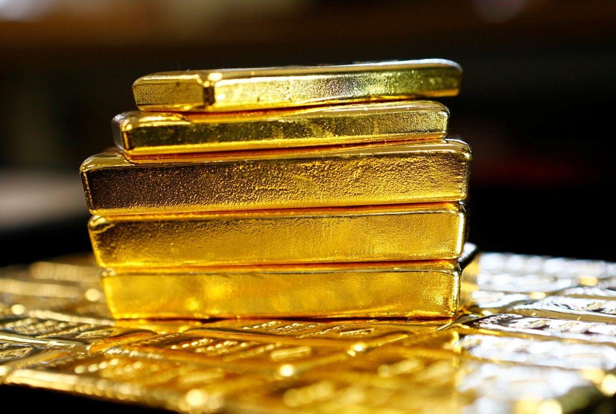 Стоимость золота превысила психологическую отметку $1200 на заявлениях Трампа