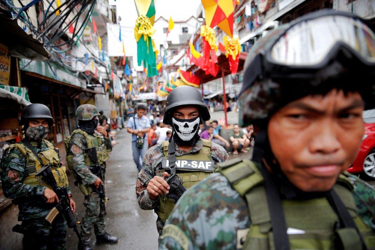 Бойцы сил безопасности Филиппин / REUTERS