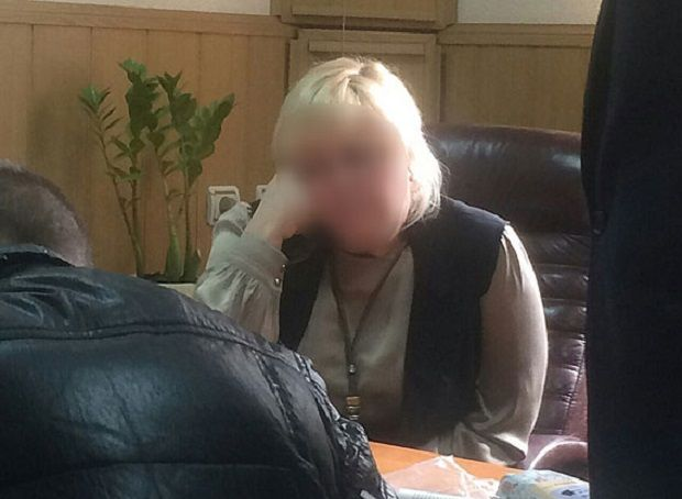 Налоговика задержали в служебном кабинете / Фото npu.gov.ua
