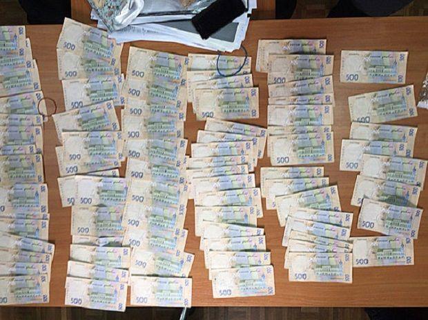 Податківець вимагав хабар у розмірі 40 тисяч гривень / Фото npu.gov.ua