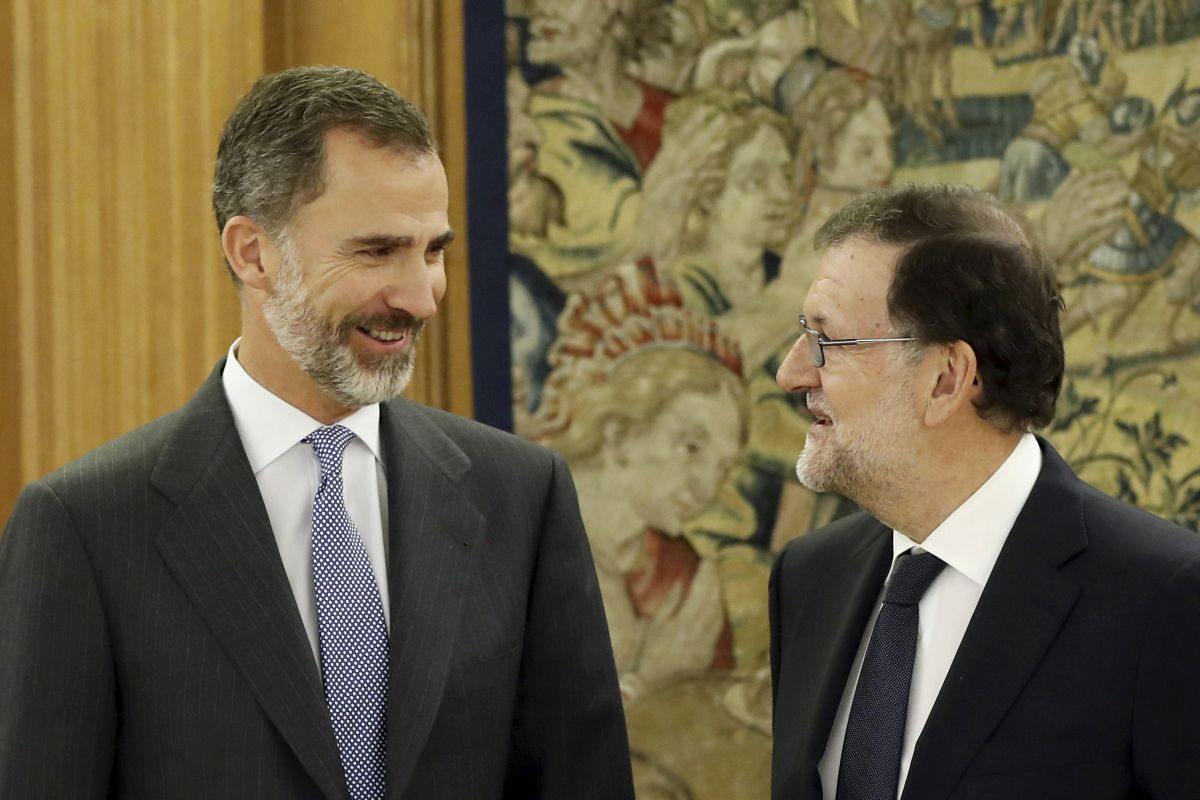 Лидер консерваторов Испании принял просьбу короля баллотироваться напост премьера