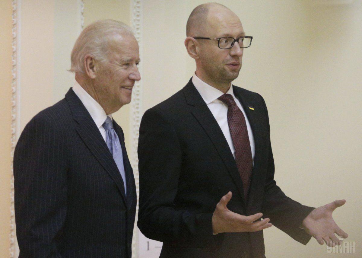 Яценюк встретился сБайденом: Украина— приоритет для США