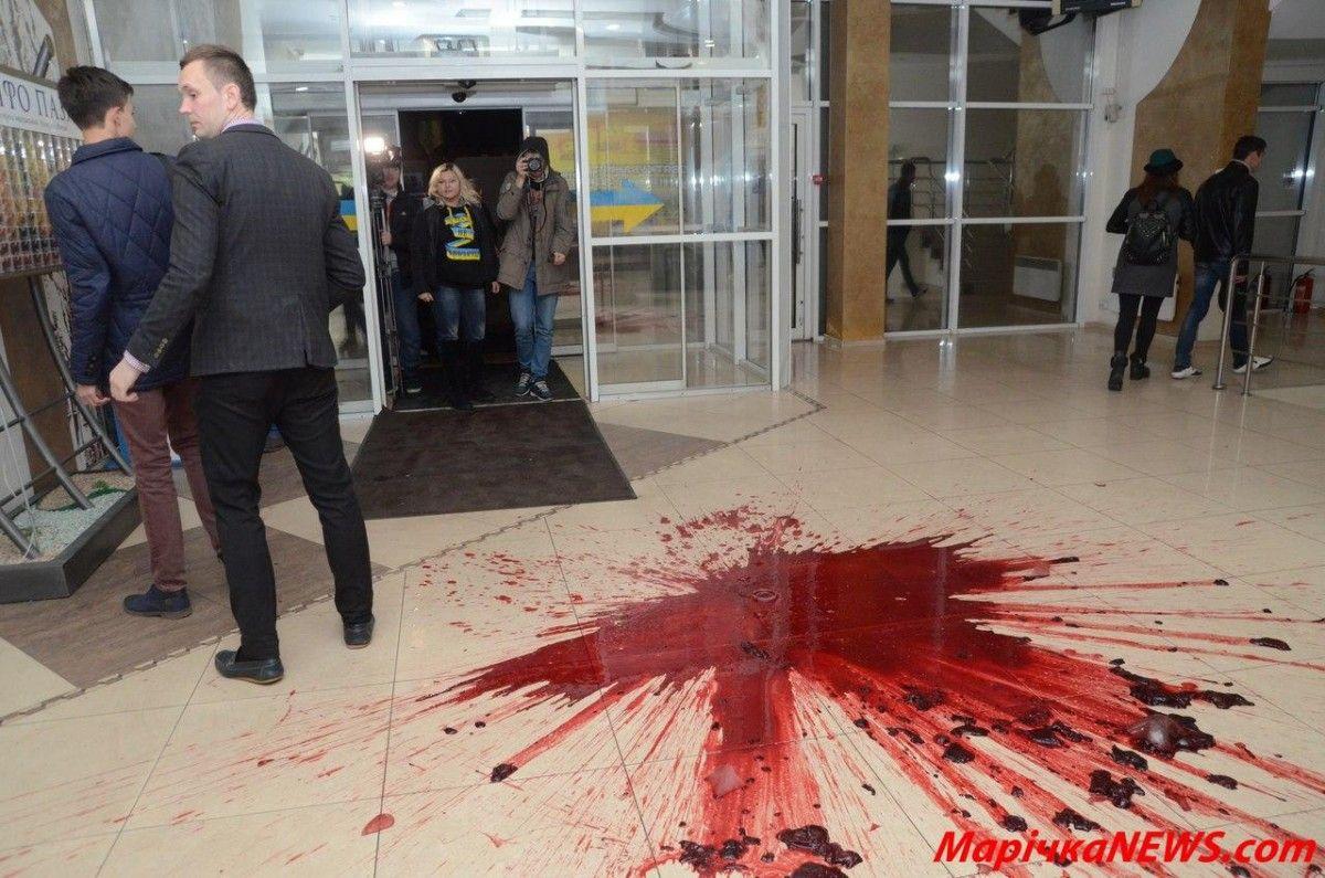 У Хмельницькому сталися сутички на акції проти концерту Потапа та Насті / marichkanews.com