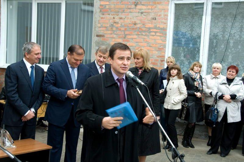 При этом Шенцев смог одолжить третьим лицам $1,5 млн / bl-ua.info