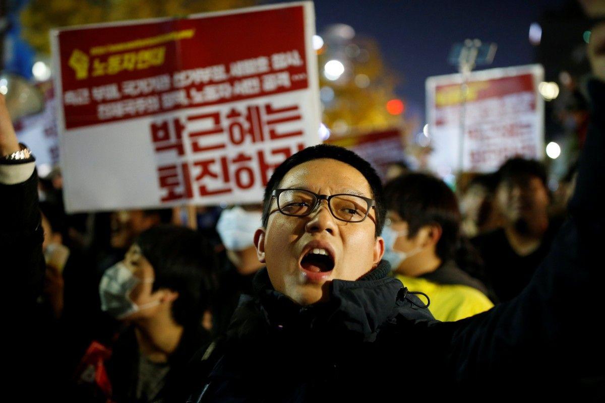 ВЮжной Корее требуют отставки президента