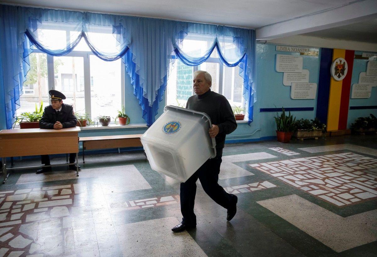 В Молдове проходит второй тур выборов президента / REUTERS