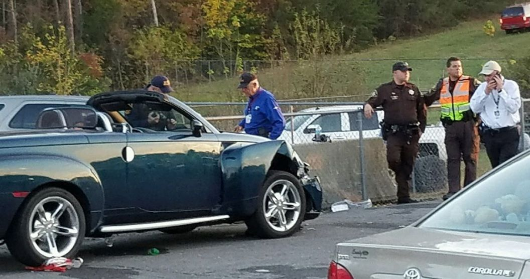 По словам очевидцев, водитель пытался обогнать внедорожник, но не справился с управлением / Фото Roger Wolfe via usatoday.com
