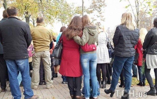 Родичі героїв Небесної Сотні та бійці АТО провели молебень на Інститутській - фото 4