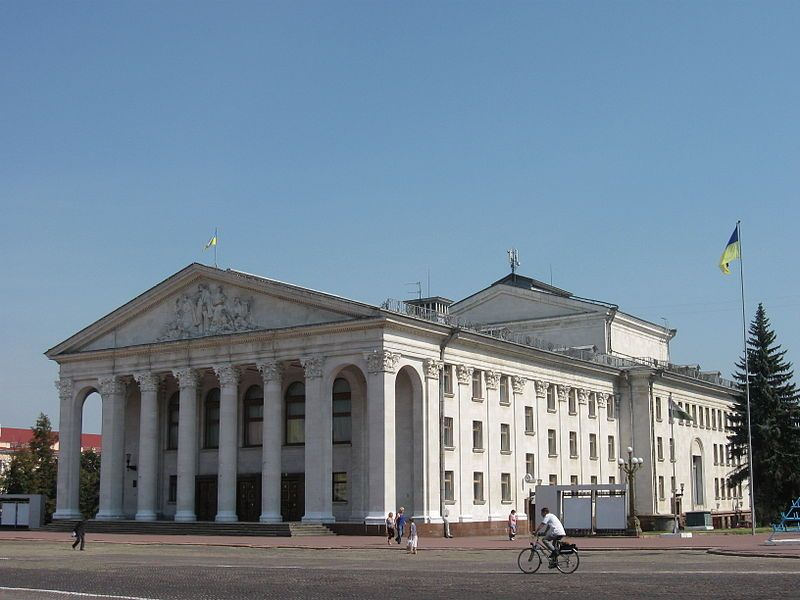 Мойсиенко просит отменить выступление Потапа и Насти в Чернигове / wikipedia.org