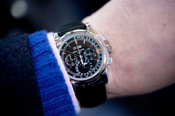 Согласно выбранному нами подходу к составлению рейтингов, оцениваем исключительно общее число задекларированных наручных часов (в штуках, без учета стоимости хронографов) / luxwatch.ua
