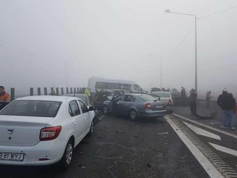 На месте аварии работают около 100 спасателей / фото digi24