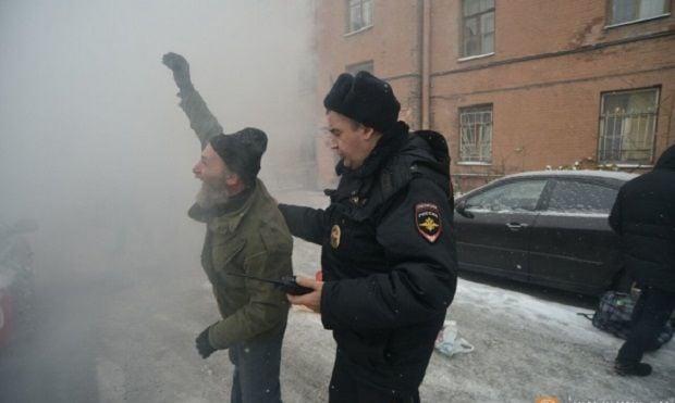 Під будівлею було близько 20 осіб / fontanka.ru