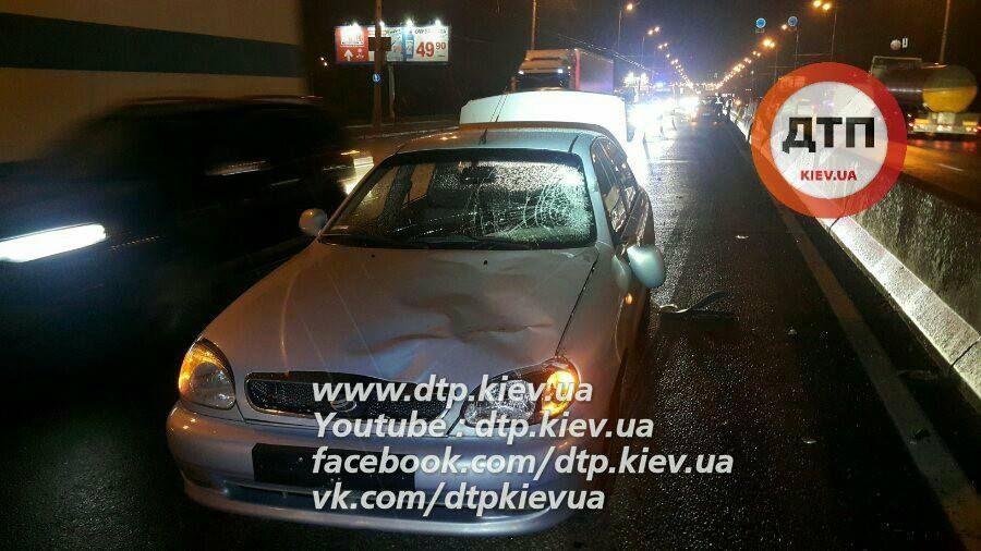 Кривава ДТП сталася у Києві на проспекті Ватутіна / dtp.kiev.ua