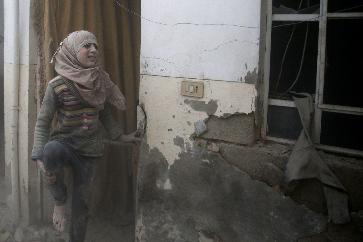 Anadolu: авиация РФ сбросила зажигательные бомбы врайоне Дамаска