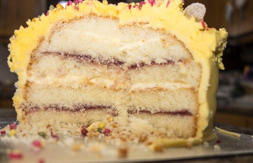 Похитительница тортов наслаждалась добычей вместе с родственниками / Фото Jim Orr via flickr.com