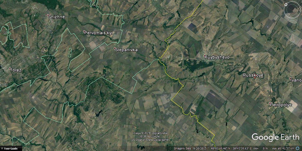 Поставки из России на оккупированный Донбасс осуществлялись через захваченную переправу / фото Glasnost Gone