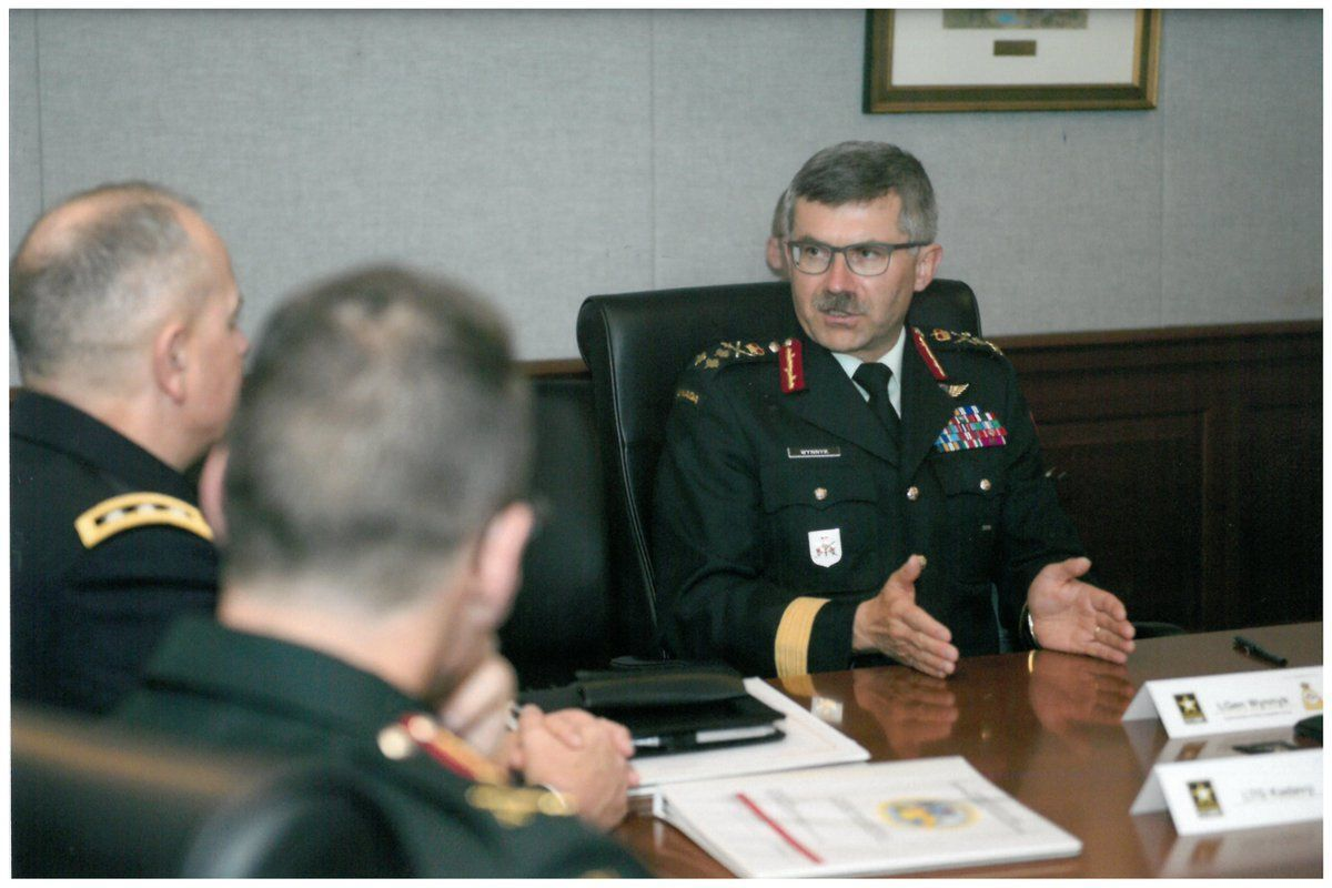 twitter.com/Army_Comd
