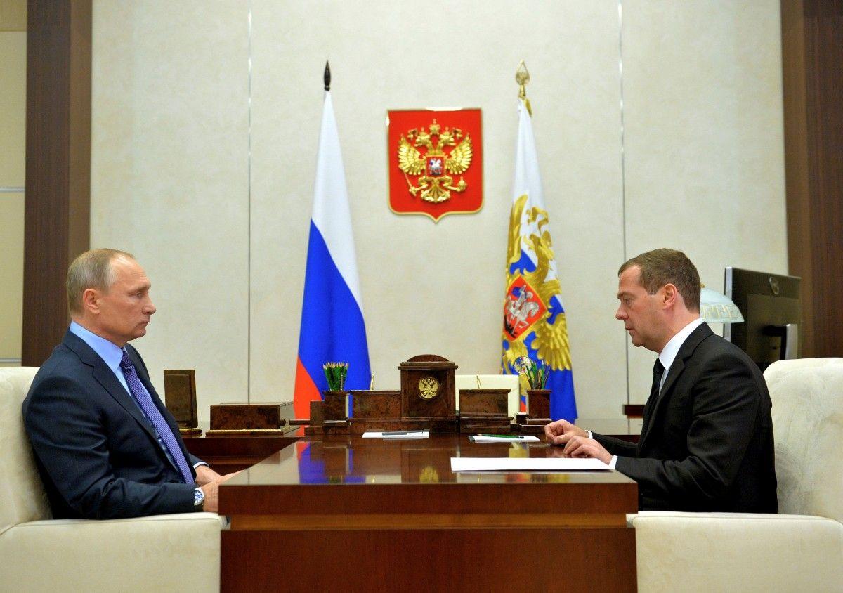 Володимир Путін і Дмитро Медведєв / REUTERS