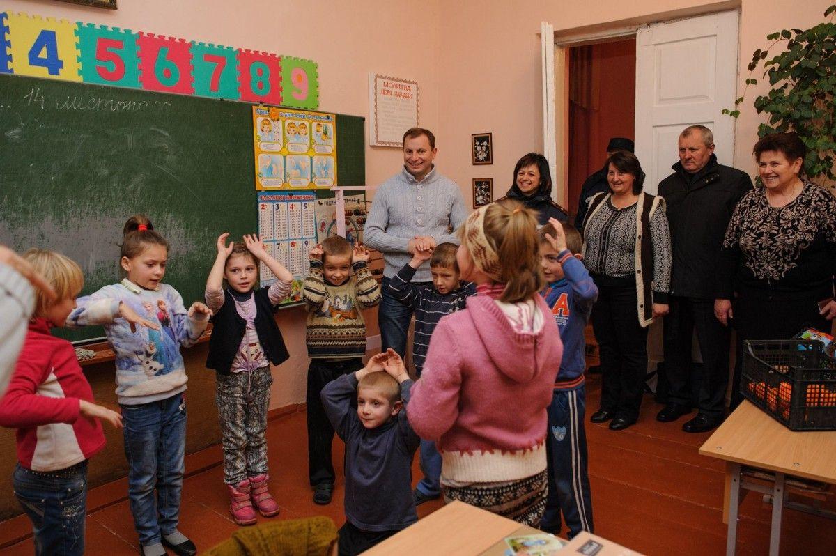 На Тернопільщині відновлюють навчання у школах